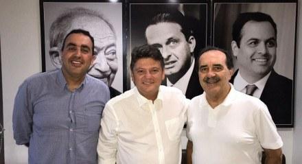 Marcelo Gomes, o presidente do PSB-PE, Sileno Guedes e Jorge Gomes