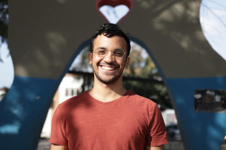 Realizador pernambucano lança campanha para ajudá-lo a estudar na maior escola de cinema da América Latina