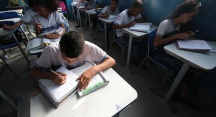 Foto: Alexandre Gondim/JC Imagem Data: 4-9-2018 Assunto: CIDADES - Colégio municipal  Franceline Rogaciano em Itapissuma. Sala de aula na escola que melhorou seu ensino .