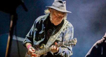 Neil Young, Trump é o alvo
