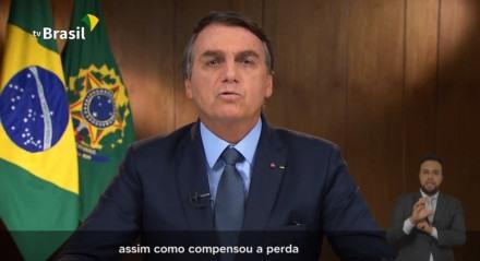 Segundo Bolsonaro, decisão judicial deu a governadores poderes durante a pandemia