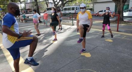 Academias da Cidade retomam atividades em oito polos