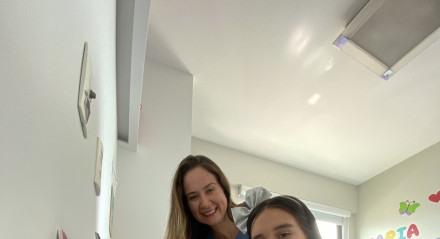 Simone Barros e a filha, Maria Fernanda Barros Valença, aluna do Colégio Marista São Luís