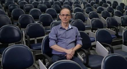 Fernando Beltrão, professor de Biologia