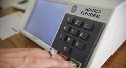 TSE inclui em normas eleitorais medidas sanitárias contra a covid-19