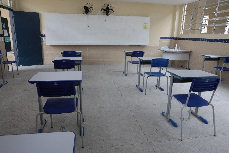 A educação brasileira na encruzilhada
