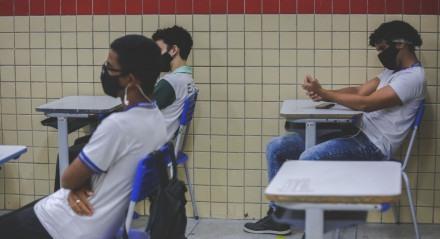 06.10.2020 - Retorno das aulas nas Escolas Públicas no Recife.