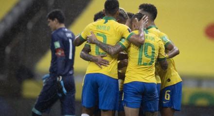 Brasil x Bolívia - Seleção Brasileira