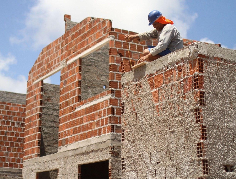Está faltando de tecido a cimento no mercado pernambucano. Escassez de matéria-prima é uma das causas do desabastecimento