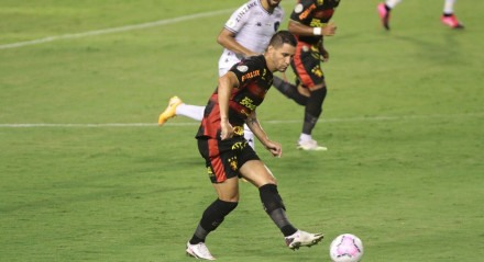 Partida entre os times do Sport e Botafogo pelo Campeonato Brasileiro da séria A 2020, realizada no estádio da Ilha do Retiro em Recife.