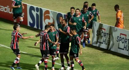 Pipico foi o autor dos dois gols do Santa Cruz na vitória diante do Paysandu