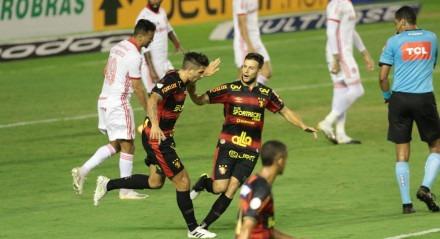 Partida entre os times do Sport e Internacional pelo Campeonato Brasileiro da séria A 2020, realizada no estádio da Ilha do Retiro em Recife.