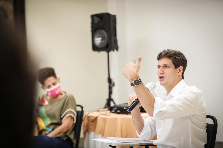 Evangélicos são os que mais votam em João Campos no Recife, segundo a pesquisa Ibope/JC/Rede Globo