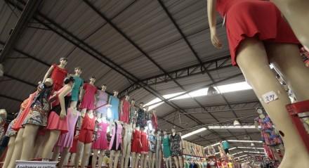 Polo de Confecções - Movimento de sacoleiros e comerciantes no Moda Center em Santa Cruz do Capibaribe, que é considerado o maior centro de compras de moda da América Latina e atrai lojistas de todo país em busca de confecções de qualidade com preços acessíveis.