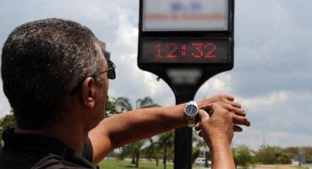 Maioria dos brasileiros não precisará ajustar o relógio