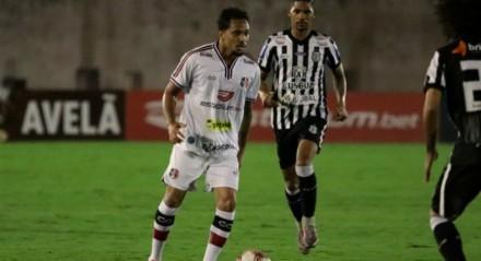 Lourenço marcou o gol da vitória do Santa Cruz em cima do Treze