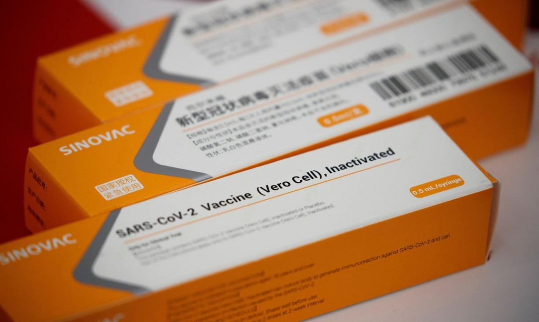 EUA espera iniciar vacinação contra covid-19 no início de dezembro