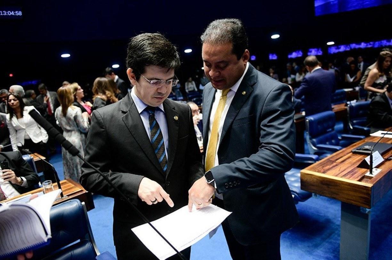 Partidos vão ao STF após declaração de Bolsonaro sobre vacina chinesa