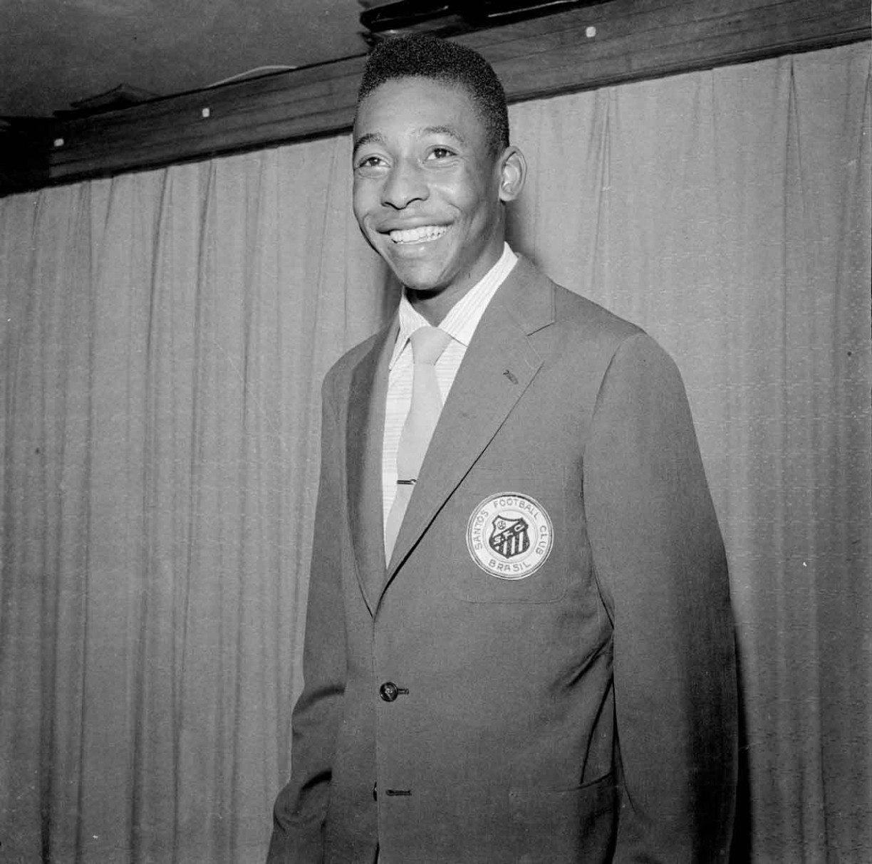 Pelé ganhou títulos de sócio de Sport e Santa Cruz