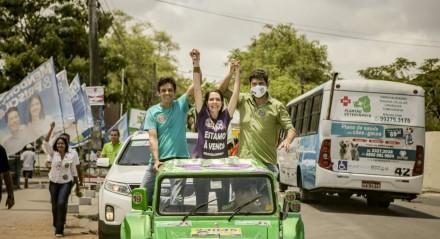 Delegada Patrícia realiza carreata nos bairros da  Mustardinha, San Martin e Afogados