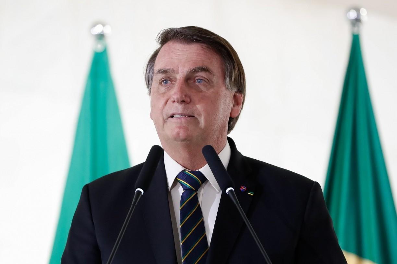 Sem apresentar provas, Bolsonaro coloca sistema eleitoral brasileiro em dúvida