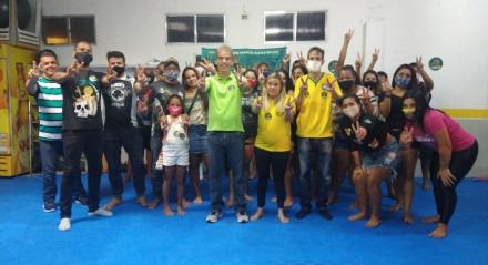 Coronel Feitosa reúne-se com moradores do Vasco da Gama
