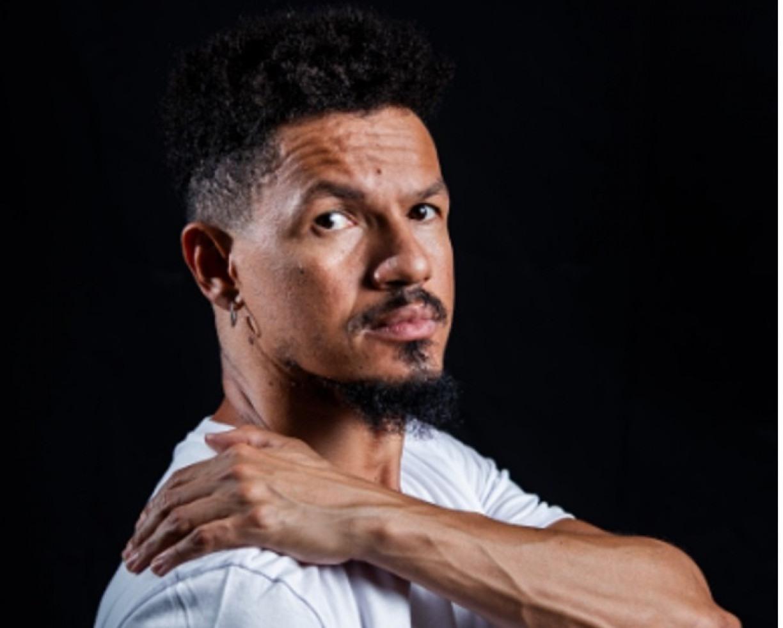 Zé Manoel equilibra-se entre a violência e a ternura em novo álbum