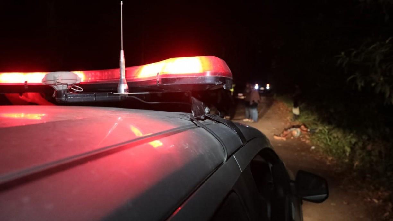 Dois jovens são assassinados a tiros numa estrada perto de Camaragibe