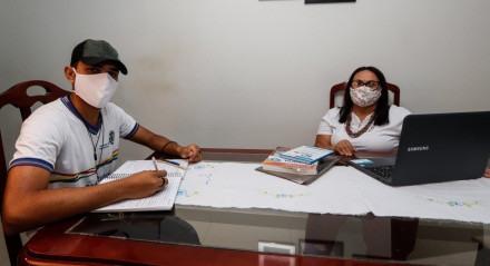 Professora Antônia Barros recebeu alunos em casa para estudar durante pandemia.