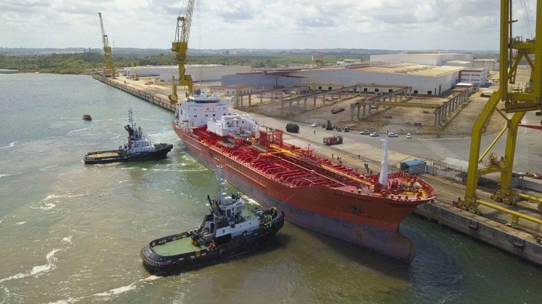 Estaleiro Atlântico Sul volta a operar em Suape, com serviços de reparo naval