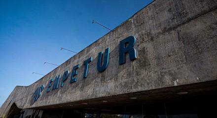 Cidade - Ruas - Turistas - Comércio - Lazer - Economia - Arquitetura