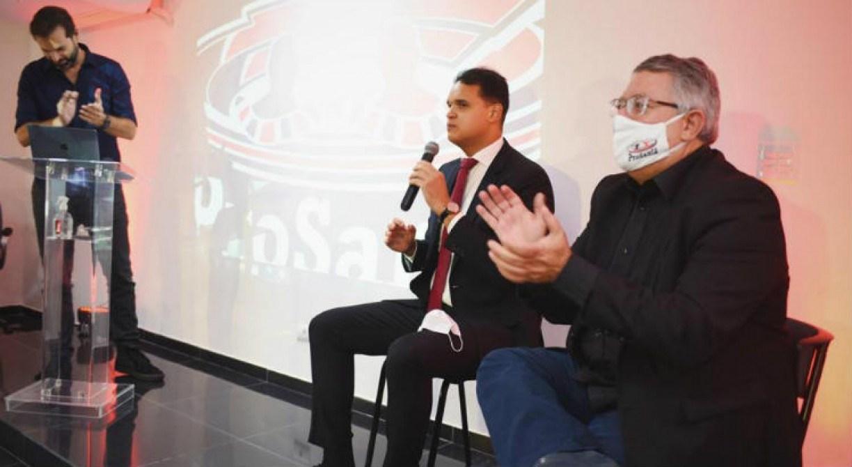 Candidato da oposição critica gestão por passagens do Santa Cruz nas divisões inferiores: