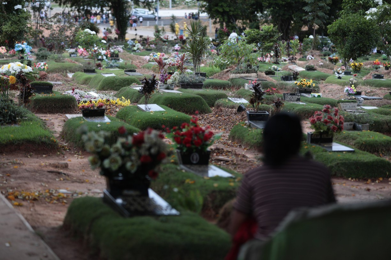 Número de mortes por covid-19 no Brasil passa de 240 mil