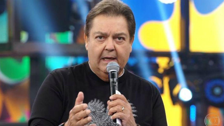 Globo desmente boatos e afirma que Faustão não está internado com covid-19