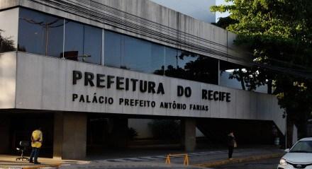 Fachada do prédio da Prefeitura do Recife