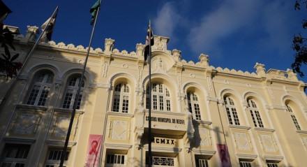 Fachada do prédio da Camara dos Vereadores do Recife