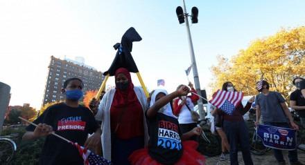 Multidão foi para as ruas comemorar vitória de Biden