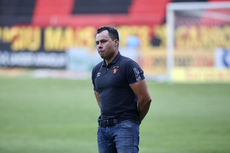 Demitido do Sport, Jair Ventura fala em missão cumprida e agradece por tatuagem com seu rosto