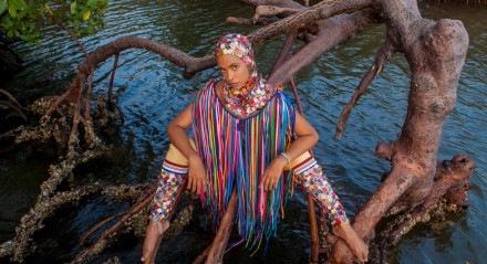 Héloa gravou videoclipe da faixa 'Maré Mansa 2.0' na Praia do Refúgio e no rio Vaza-Barris, em Sergipe
