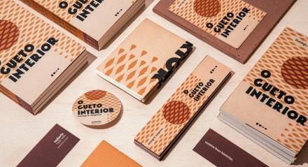 O clube de assinatura Todavia Todo Mês inclui um lançamento de ficção contemporânea, um poster e conteúdo digital exclusivo, além de desconto nos títulos da editora