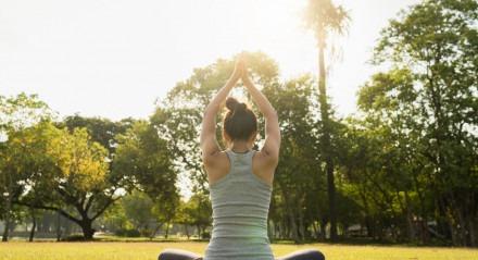 Ioga ao ar livre Yoga ao ar livre