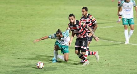 Lances do jogo Santa Cruz X Manaus, válido pelo Campeonato Brasileiro da Série C, no Estádio do Arruda.