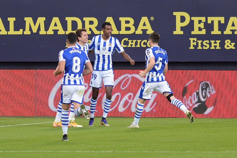 Real Sociedad vence Cádiz e se mantém na liderança isolada do Campeonato Espanhol