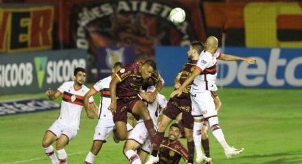 Lances do jogo Sport X Atlético Goianiense, válido pelo Campeonato Brasileiro da Série A, no Estádio da Ilha do Retiro.
