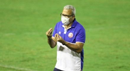 Hélio dos Anjos, Técnico do Náutico. Lances do jogo Náutico X Vitória da Bahia, válido Campeonato Brasileiro da Série C, no Estádio dos Aflitos.