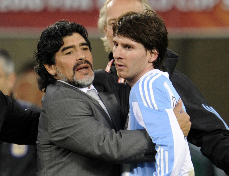 Lionel Messi, Neymar e Cristiano Ronaldo prestam homenagem a Diego Maradona