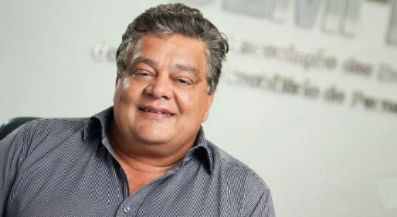Ex-presidente do Santa Cruz rejeita convite para ser candidato da situação: 'Meu tempo passou'