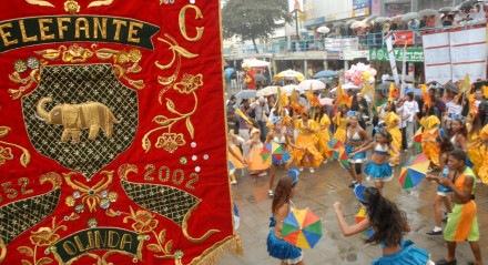 Desfile do bloco Elefante de Olinda.