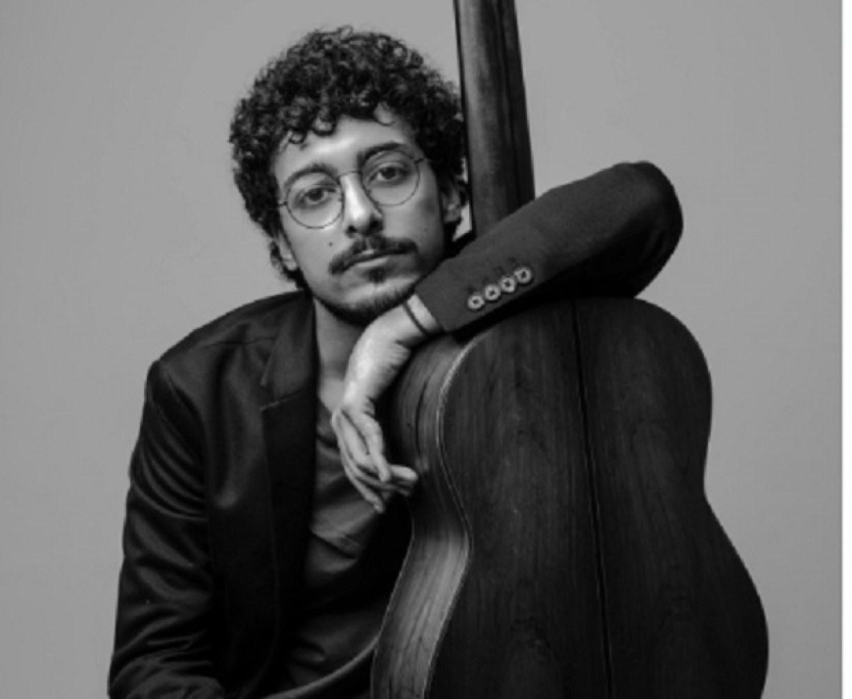 Violonista Vinicius Sarmento lança primeiro álbum solo