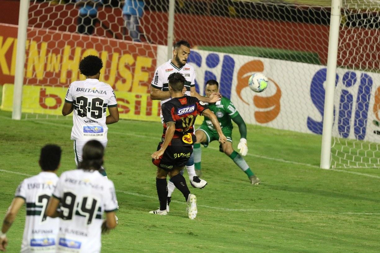 Com gol de Thiago Neves, Sport triunfa sobre Coritiba